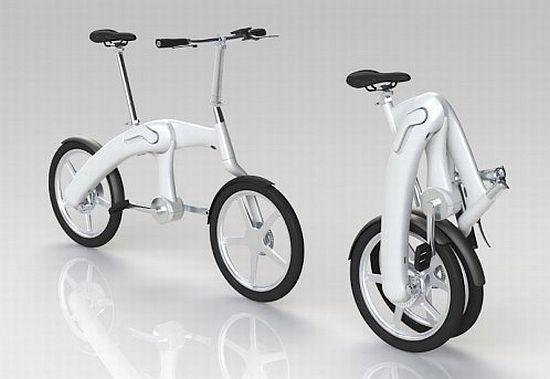 Bicicleta plegable sobre fondo blanco