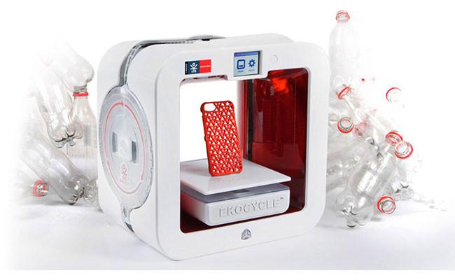 Impresora 3D realizando un protector de smartphone