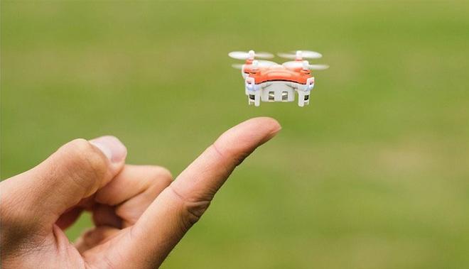 skeye-micro-dron-regalos-tecnologicos-navidad-2016-blog-hostalia-hosting